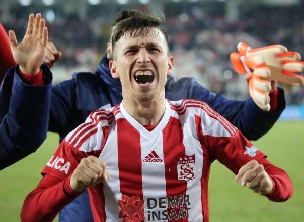Mert Hakan bu sezonki 9 golünü attı