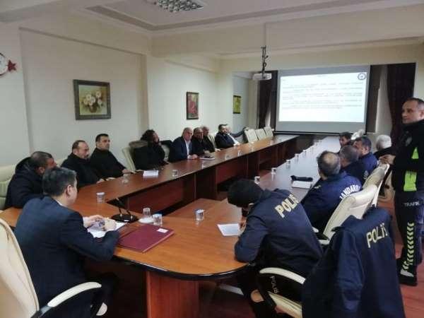 Otobüs kazalarını önleme toplantısı Akçakoca'da yapıldı
