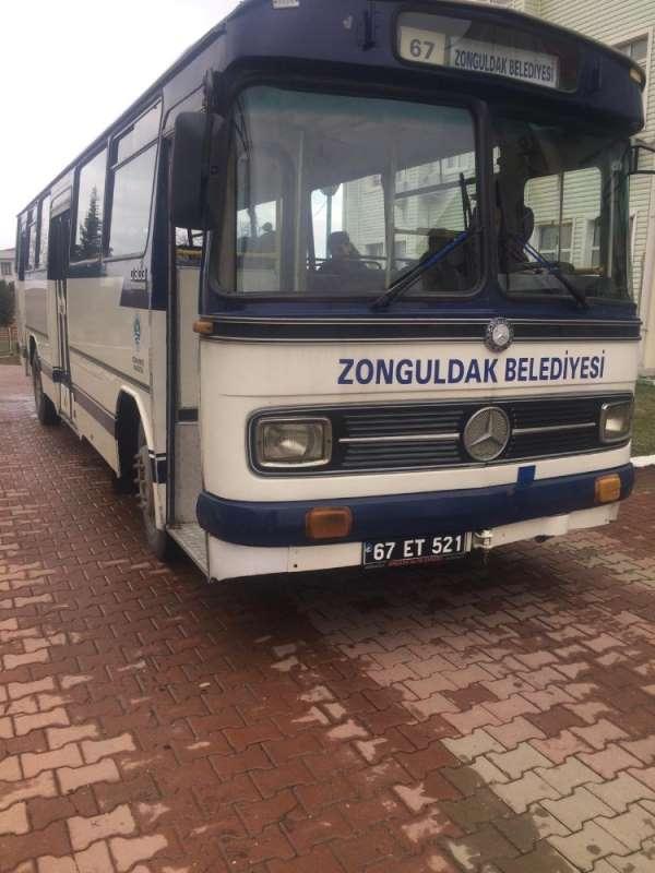 Zonguldak Kömürspor antrenmana 1960 model otobüsle gitti