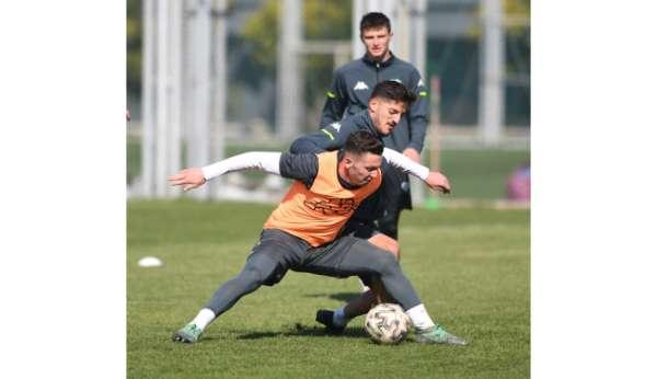 Bursasporda Menemenspor maçı hazırlıkları başladı