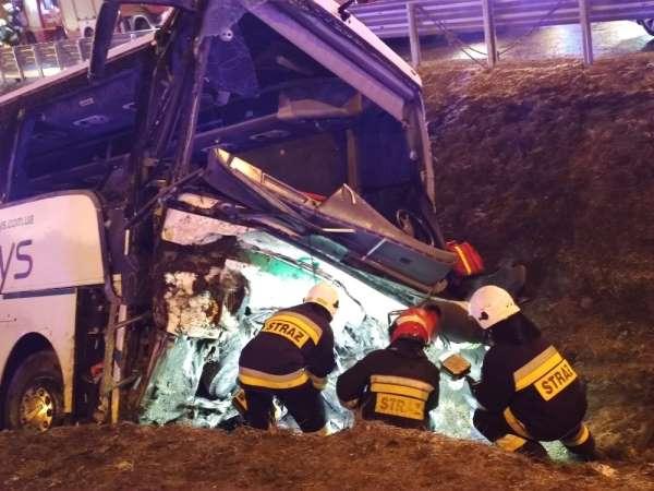 Polonyada Ukraynalıları taşıyan otobüs kaza yaptı: 1 ölü, 4 yaralı
