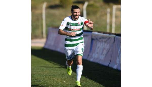 Bursasporda Özer Hurmacı ve Ataberk Dadakdenize sezon sonuna kadar izin verildi