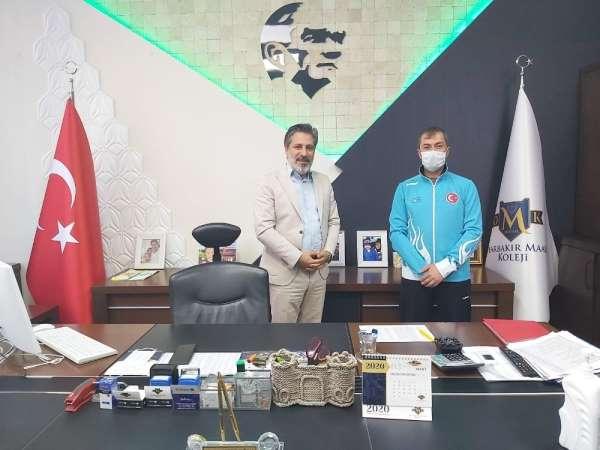 Diyarbakır Maarif Okulları milli atıcı Ömer Akgün'e sponsor oldu