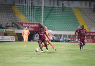 Süper Lig: Aytemiz Alanyaspor: 1 - Trabzonspor: 1 (İlk yarı)