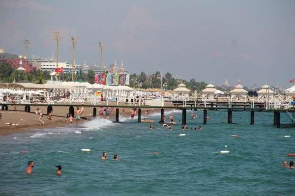 Antalyaya akan Rus turistlerin ilk adresi deniz oldu