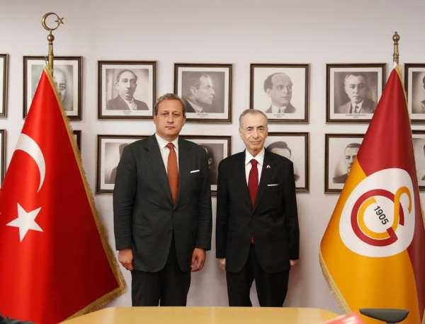 Galatasarayda devir teslim töreni gerçekleştirildi