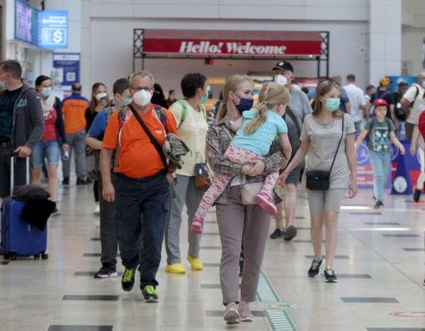 Turizm kenti Antalyaya Rus turist yağıyor