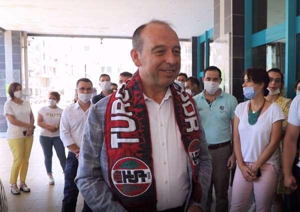 Başkan Akın, Turgutluspor'u Antalya'da yalnız bırakmayacak