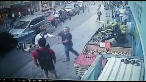 (Özel) - Kadıköy'de bıçaklı dehşet kamerada