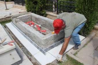 Patlama şehidi Manga'nın mezarı memleketinin taşıyla yapılıyor