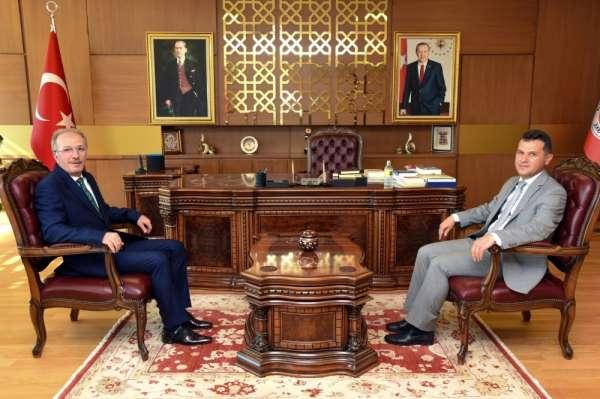 Rektör Uzun, Kastamonu Üniversitesi Rektörü Topal'ı ziyaret etti