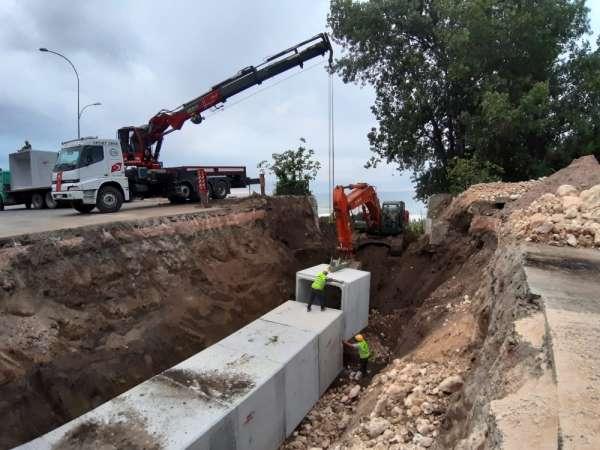 Ünye'de yağmur suyu hattı çalışmaları