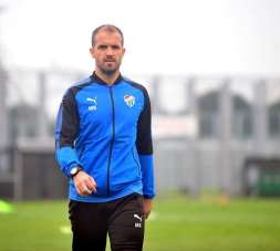 Mustafa Er:'Bursaspor'un nasıl ayağa kalkabileceğini biliyorum'