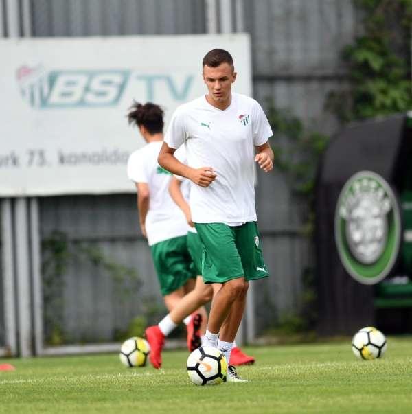 Atanasov: 'Sahada oynadığım zaman bütün yüreğimi ortaya koyuyorum'