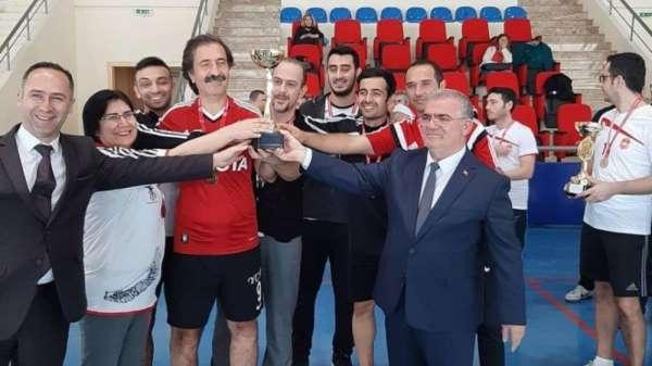'Öğretmenler Günü Voleybol Turnuvası' sona erdi