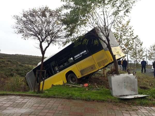 Faciadan dönülen otobüs kazası kamerada