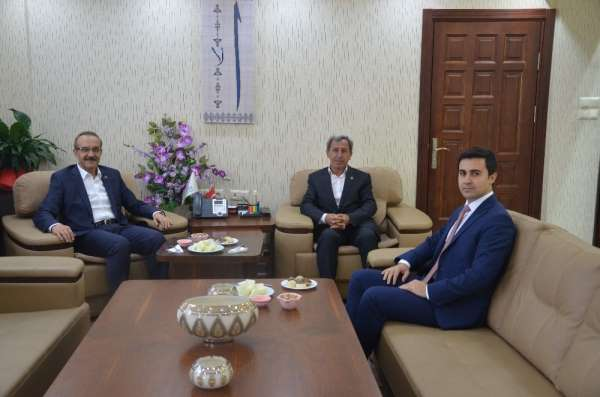 Ordu Valisi Yavuz, Günyüzü Belediye Başkanı Durgut' u ziyaret etti