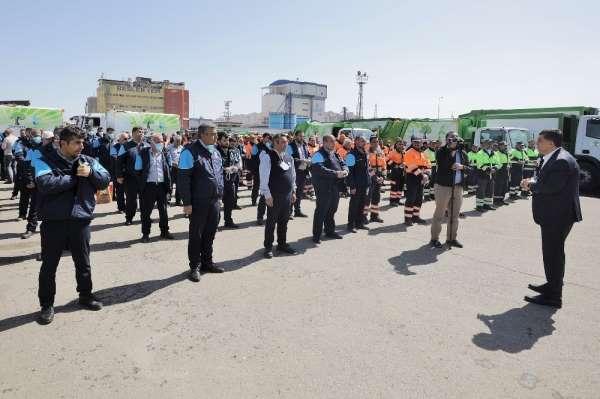 Şehitkamil'de belediye personellerine büyük jest