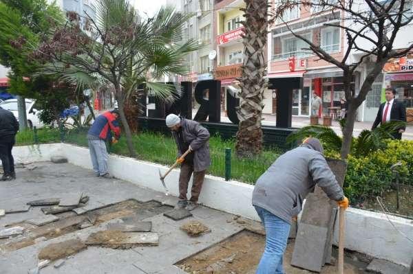 Türkeli Kent Meydanı Projesi'nde ilk kazma vuruldu