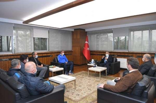 Kayserisporun yeni hocası Hamza Hamzaoğlu, Başkan Büyükkılıçı ziyaret etti