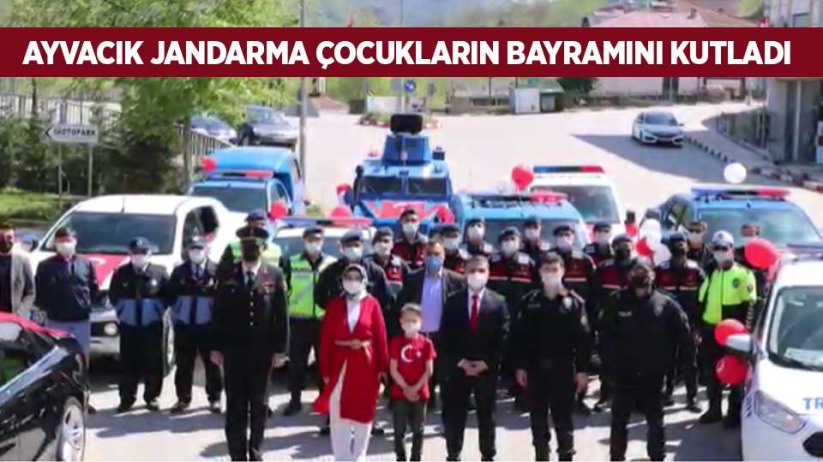 Ayvacık Jandarma çocukların bayramını kutladı