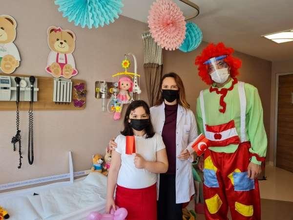 Hastanede 23 Nisan kutlaması