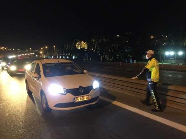 4 günlük sokağa çıkma kısıtlaması sonrası 15 Temmuz Şehitler Köprüsü'nde polis d