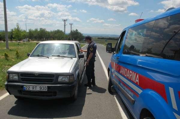 Jandarma, çiftçilere ÇKS belgelerini sordu