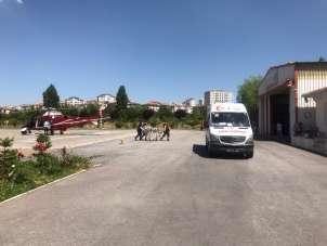 Trafik kazasında yaralanan kadın, ambulans helikopterle şehir merkezine getirild