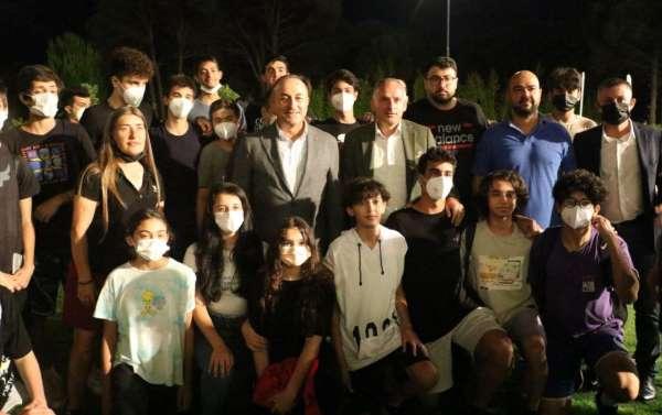 Bakan Çavuşoğlu, Kepezin sporcularıyla buluştu