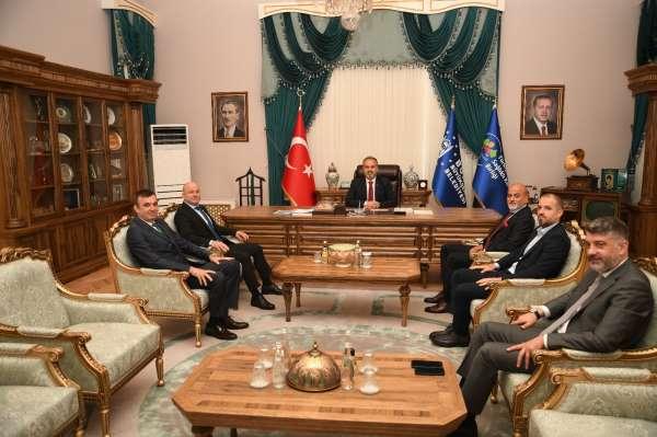 Bursaspor yönetimi Büyükşehir Belediye Başkanı Alinur Aktaşı ziyaret etti