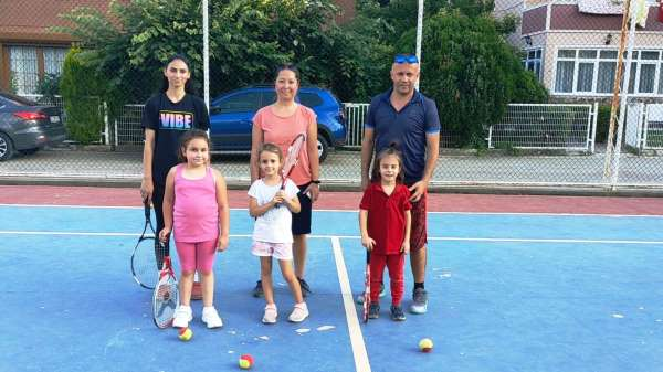 Yunusemrede tenis kursları başladı