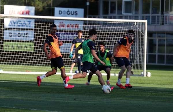Fenerbahçe, Çaykur Rizespor maçı hazırlıklarını tamamladı