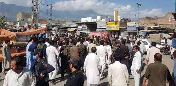 Pakistanda pazar yerinde patlama: 20 yaralı