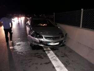 Tarsus'ta kaza yapan sürücü aracını bırakıp kaçtı