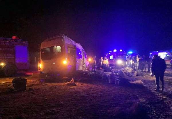 Yozgat'ta trafik kazası: 16 yaralı