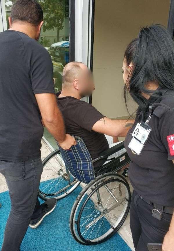 Silahlı kavgada yaralanan şahıs tekerlekli sandalye ile adliyeye sevk edildi