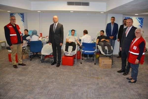 Çalışanlardan kan bağışı kampanyasına destek