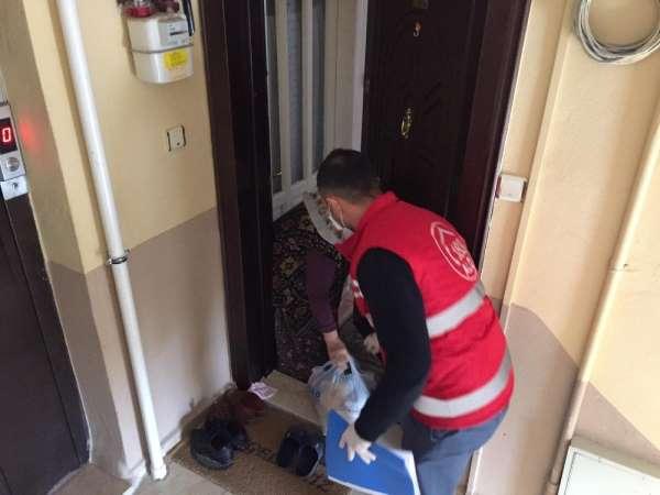 Vefa Sosyal Destek Grubu gıda paketi dağıttı