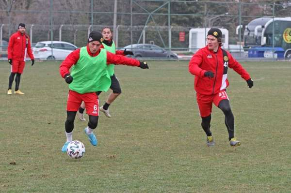 Eskişehirspor 3 günlük iznin ardından antrenmanlara başladı