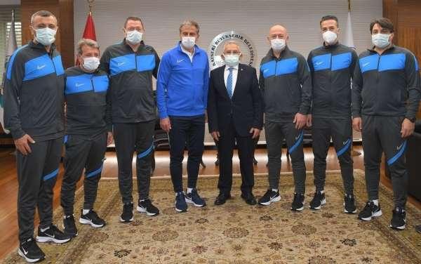 Hamza Hamzaoğlunun ekibi belli oldu