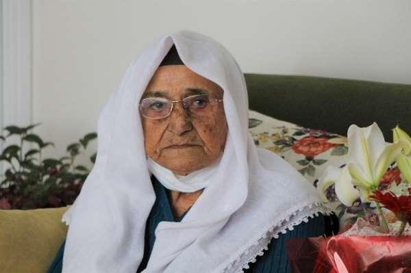 Korona virüs 119 yaşındaki Şeker nineyi teğet geçti