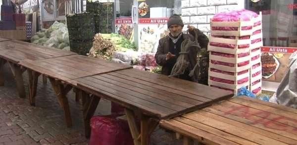 Yağmur ve kar yağdı, pazar tezgahları boş kaldı