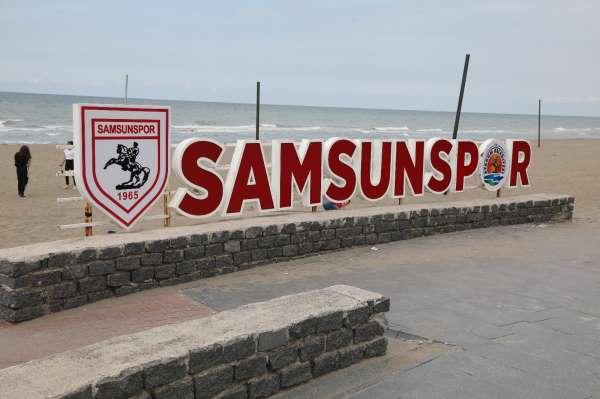 Atakum sahilindeki Samsunspor tabelası onarıldı