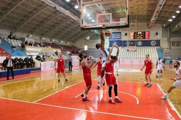 Erkekler Basketbol 1. Ligi: Kocaeli BŞB Kağıtspor: 75 - Samsunspor: 62
