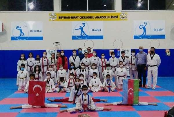 Taekwondocular kuşak sınavında maharetlerini gösterdi