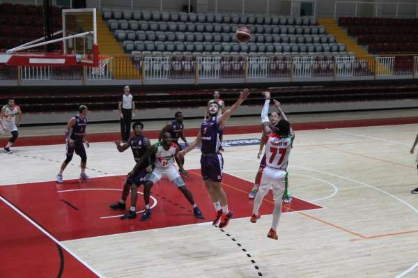 Türkiye Basketbol Ligi: Semt77 Yalovaspor: 83 - Sigortam.net: 86