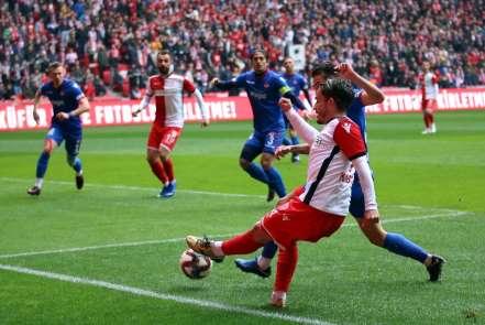 TFF 2. Lig: Yılport Samsunspor: 2 - Niğde Anadolu Futbol Kulübü: 0