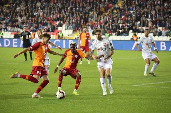Spor Toto Süper Lig: DG Sivasspor: 4 - Galatasaray: 3 Maç sonucu