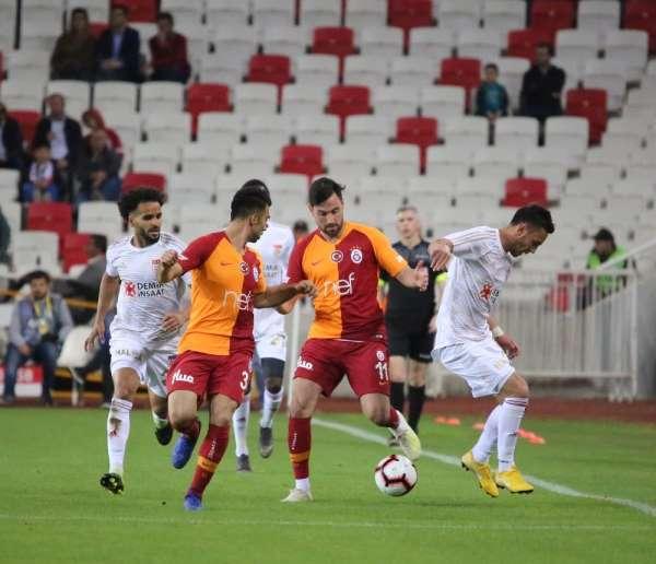 Spor Toto Süper Lig: DG Sivasspor: 2 - Galatasaray: 2 İlk yarı